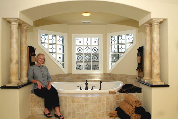 Great Bathroom Stained Glass Partitioned Windows   BSG 8